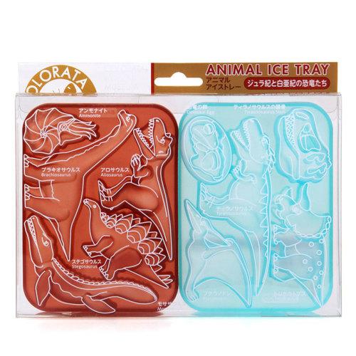 ジュラ紀・白亜紀に生きた代表的な恐竜たちや古代生物など10種の形の氷が作れるアイストレー(シリコーン製)