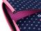 ウェットスーツ等に使われるクッション性の高い素材を使用